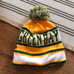 Accessories - NWOT Green Bay Packers beanie.